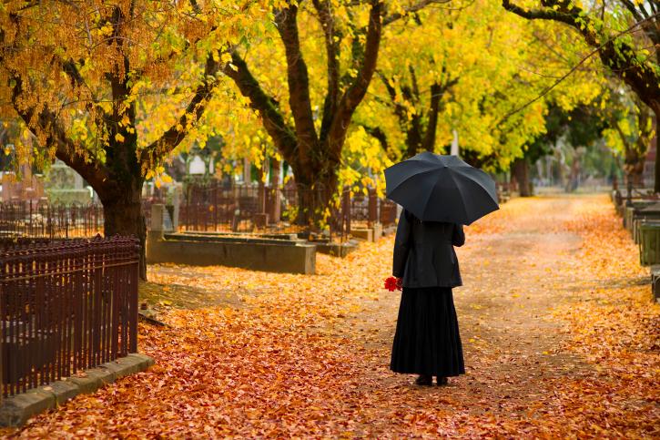 ozvegy asszony temetoben