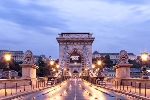 Buda névnap - Lánchíd budai hídfő