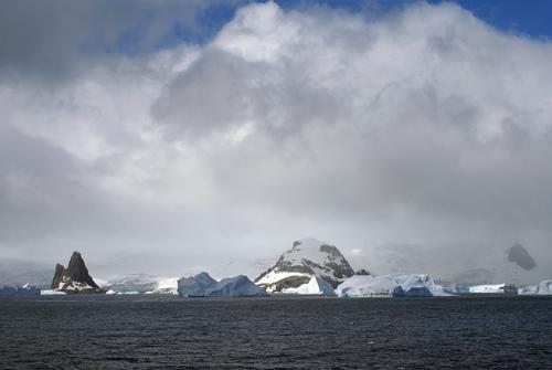 Erneszta névnap - a sziget, ahol Ernest Shackleton csodálatos története zajlódott