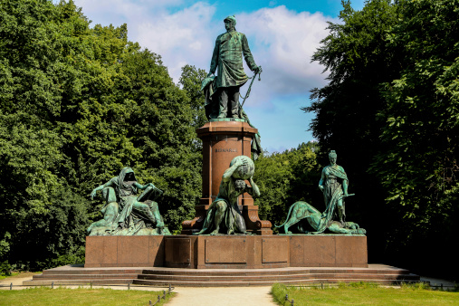 Ottó névnap - Otto von Bismarck mlékmű