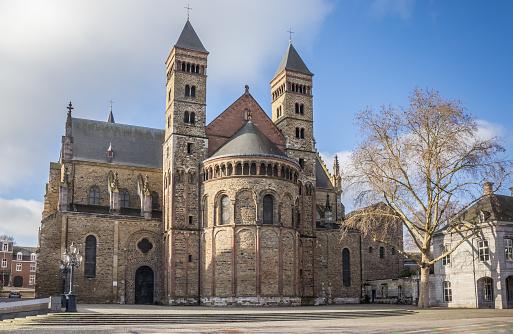 Szervác névnap - Szent  Servatius templom Maastricht