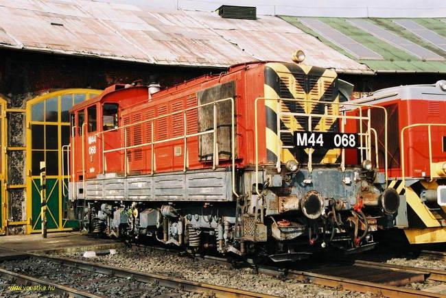 máv-ganz-M44