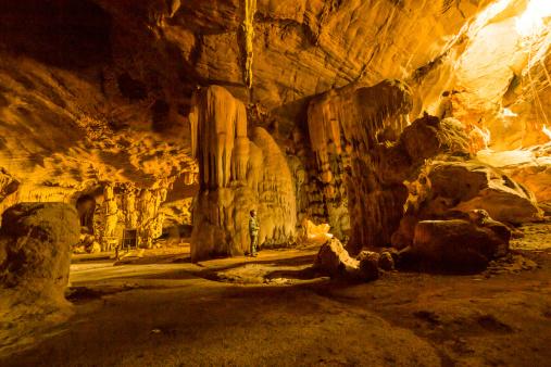 Barlangok napja