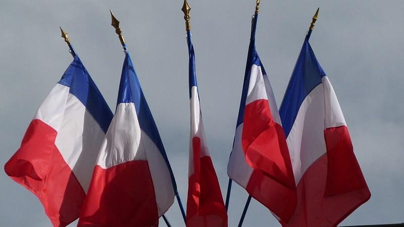 francia-zaszlok-e1447587435609 (1)